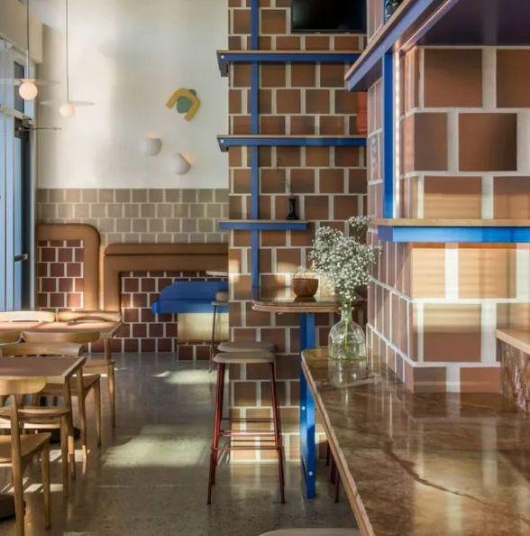 唯美赤陶土色的温哥华咖啡馆