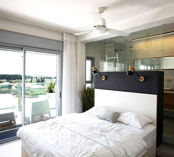 卧室与卫生间玻璃隔墙装修效果图