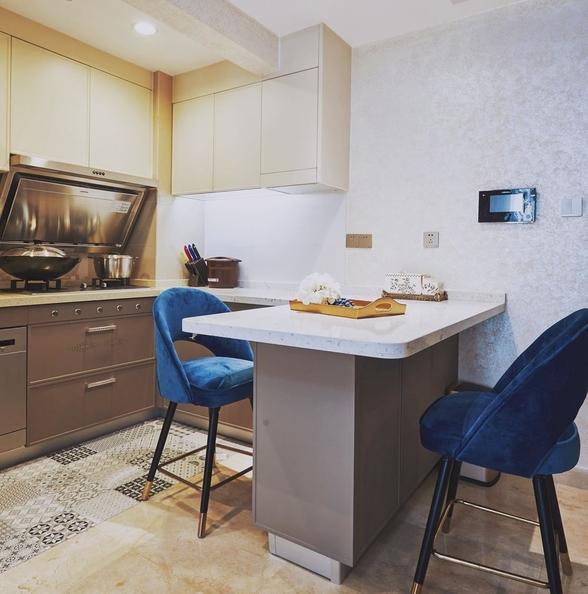 厨房橱柜连体餐桌