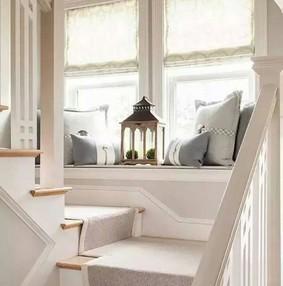 楼梯踢脚线收口