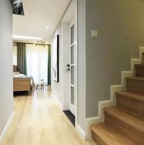 楼梯踢脚线施工